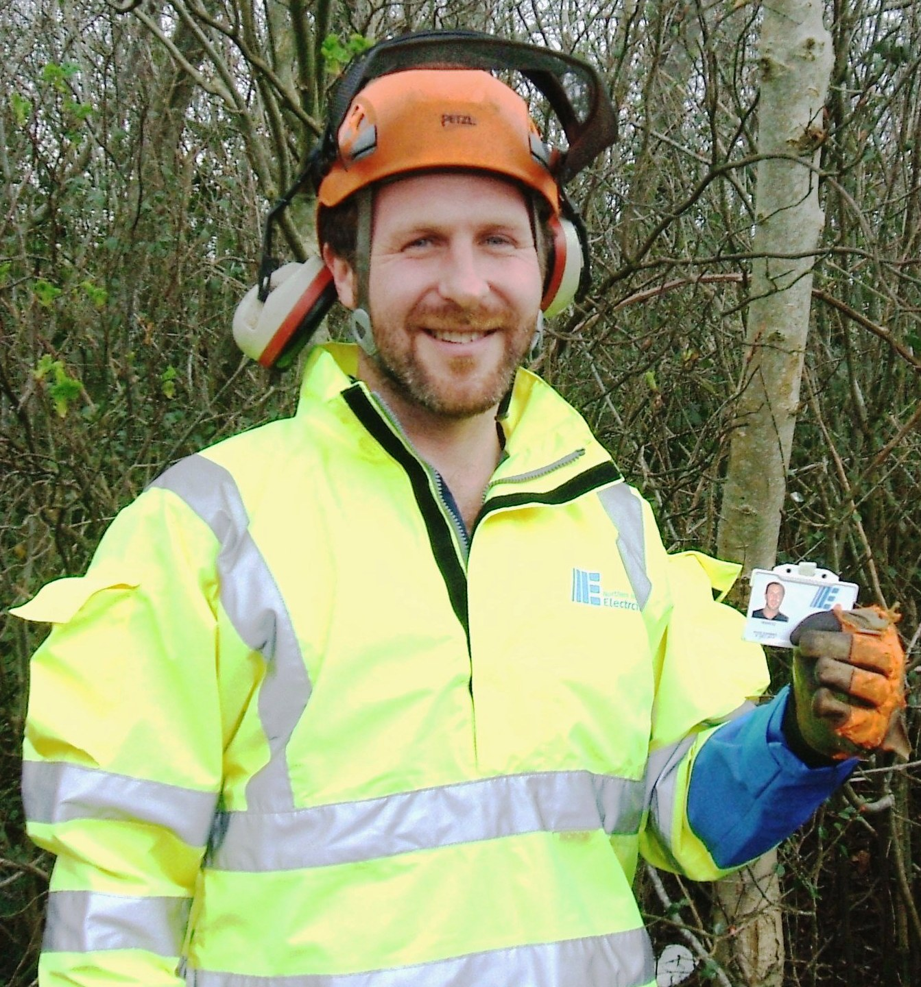 NIE tree cutter with ID card